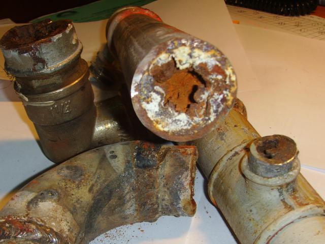 Старые чугунные трубы