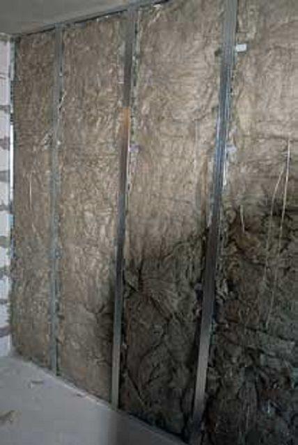 Стена после окончания укладки утеплителя