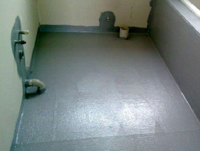 Будущая ванная конмната полностью гидроизолирована
