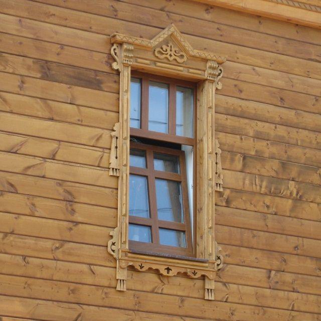 """Деревянные наличники - это, конечно, """"классика"""" отделки фасада"""