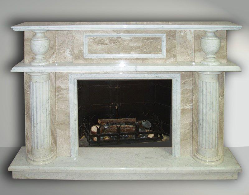 Пример камина, облицованного мрамором, с колоннами. Иллюстрация