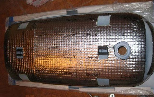 Тело- и шумоизоляция стальной ванны фольгированным вспененным полиэтиленом