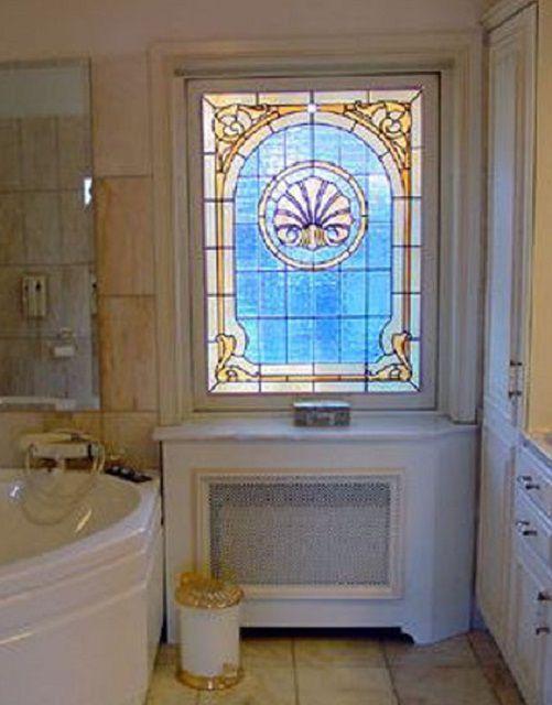 Хорошим подспорьем может стать освещаемое изнутри светодиодами фальшь-окно