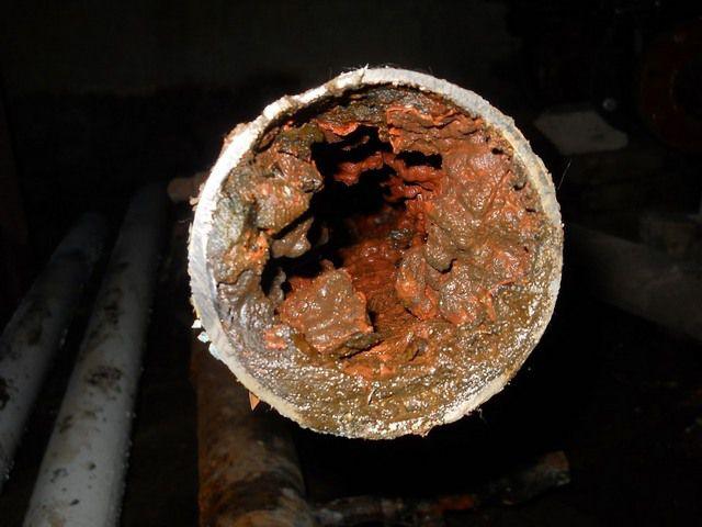 Забитые трубы - это дополнительная, совершенно излишняя нагрузка на насос и котел, никому не нужные расходы на энергоносители