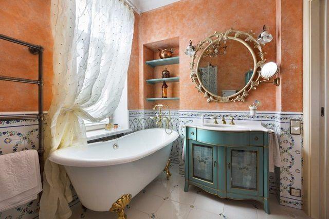 Зеркало - обязательный атрибут интерьера любой ванной