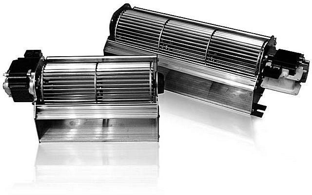 У тангенциальных вентиляторов - выраженная цилиндрическая вытянутая форма