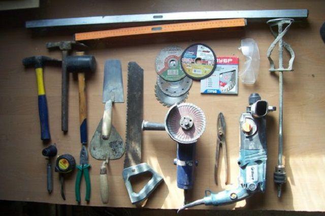 """Для работы потребуется подготовить весьма """"солидный"""" набор инструментов"""