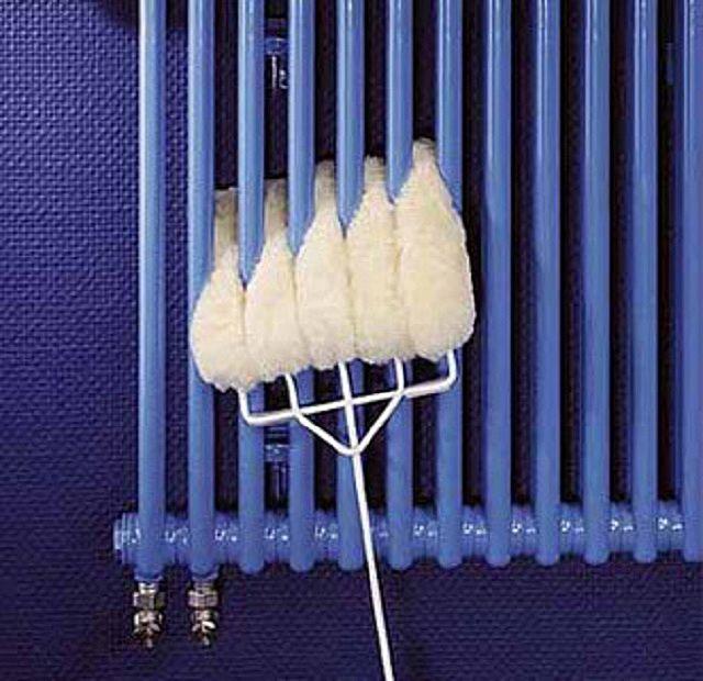 Для ухода за трубчатыми радиаторами рекомендуется приобрести специальную щетку
