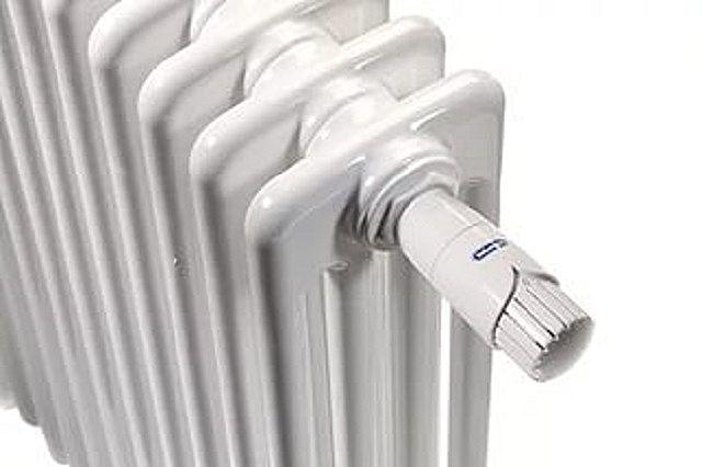 Трубчатый радиатор, оснащенный термостатическим регулятором