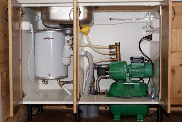 Требуемое давление обеспечивает компактная насосная станция