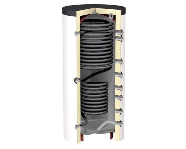 Теплоаккумулятор со встроенным проточным теплообменником горячего водоснабжения