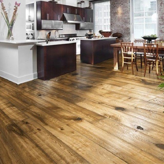 Деревянный пол на кухне требует особого ухода