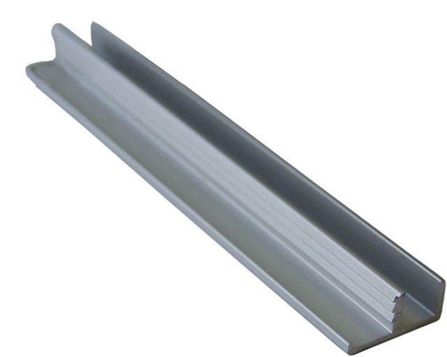 Вместо уголка можно использовать алюминиевый профиль, который можно найти в магазинах мебельной фурнитуры