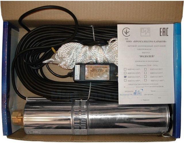 Обязательно оценивается длина кабеля. Кроме того, в комплект может сразу входить и трос (шнур) для подвеса насоса.