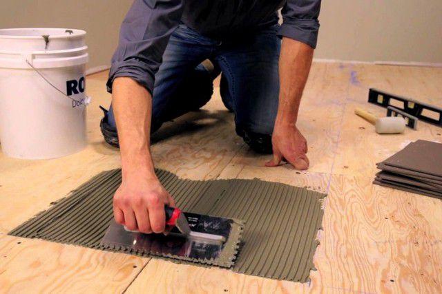 При соблюдении определенных условий возможна укладка плитки и на деревянное основание
