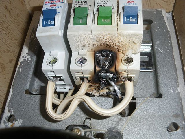 Явные признаки того, что автоматические выключатели подлежат замене
