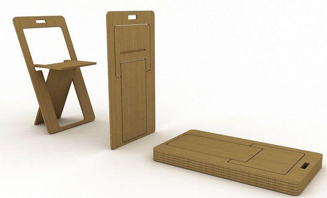 В сложенном состоянии стул превращается в плоский лист фанеры