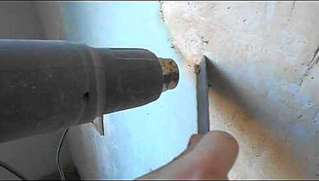 Снятие краски с предварительным прогревом строительным феном