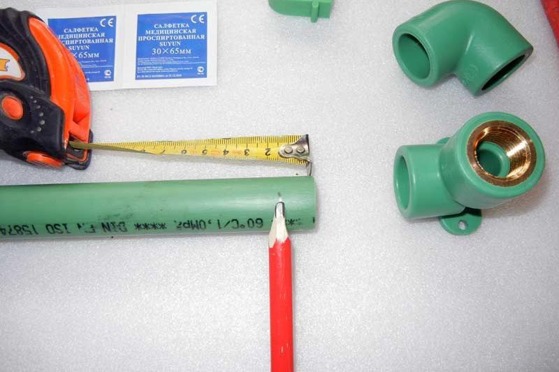 Карандашом отмечена длины участка будущего провара трубы
