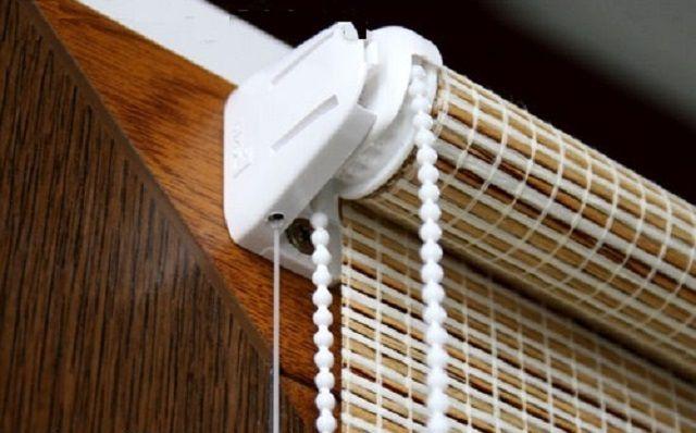 Как правило, рулонные бамбуковые шторы имеют удобный механизм регулировки высоты поднятия
