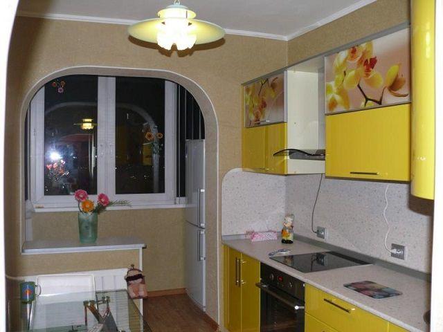 Маленькая кухня + маленький балкон = вполне приемлемое по площади помещение