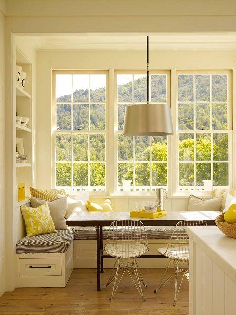 Балкон, примыкающий к кухне, превратился в комфортабельную столовую