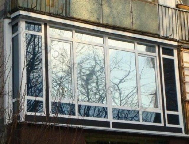 Зеркальный эффект может меняться на противоположный с наступлением сумерек – при включении в квартире освещения