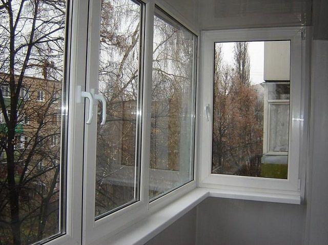 Теплое остекление – обязательное условие для балконов, где планируется установка той или иной системы отопления