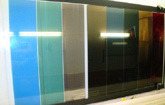 Плёнки представлены в широком ассортименте и по оттенкам, и по степени светопроницаемости