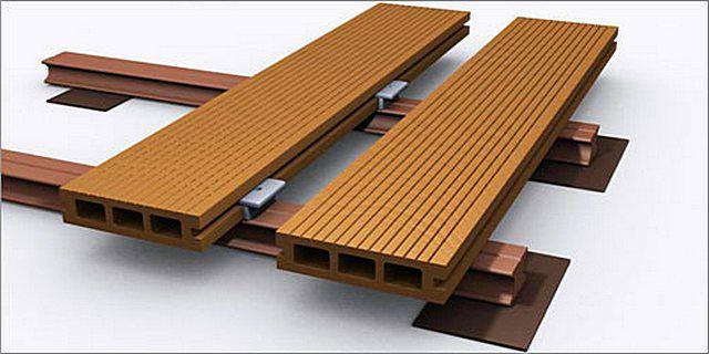 Почему бы не покрыть пол на открытом балконе декингом – древесно-полимерными композитными «досками»?