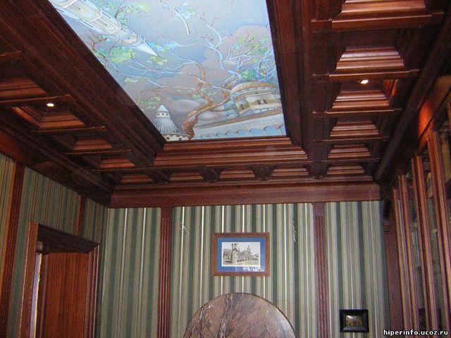 Подсвечиваемые витражи на потолке - беспроигрышное решение