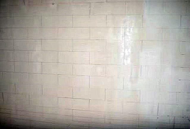 Прежде всего – проводится разметка стены