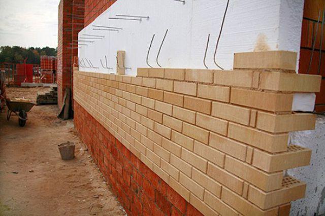 Проволока для связи несущей стены и облицовки используется до сих пор