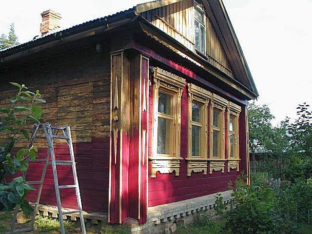Обновление фасадной отделки деревянного дома масляной краской