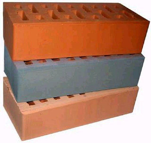Усовершенствованный вариант гладкого керамического кирпича — ангобированный