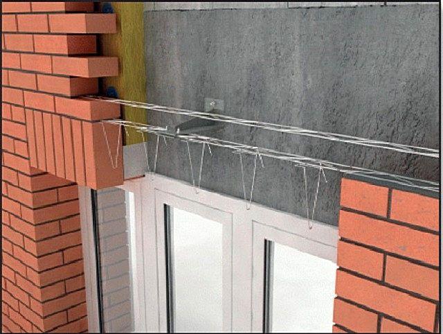 Облицовка фасада кирпичом сопровождается, как правило, и созданием термоизоляционной конструкции