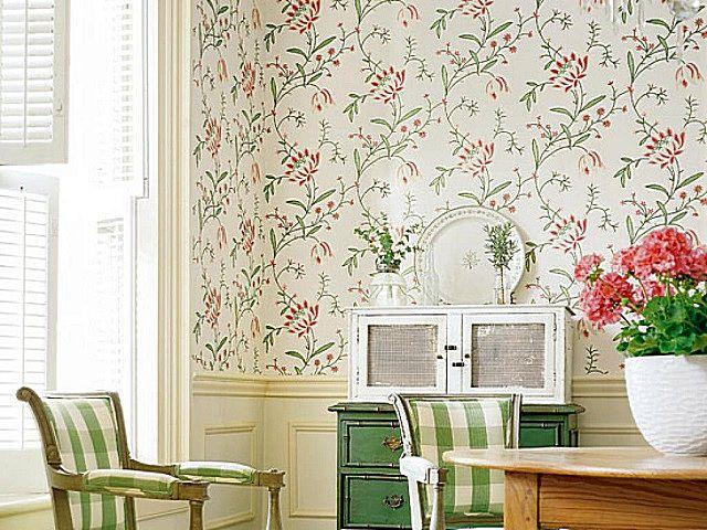 Флизелиновые обои для отделки гостиной в стиле «прованс»