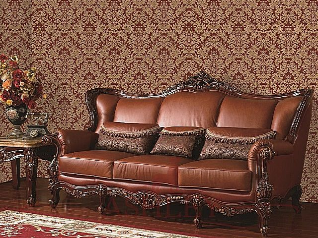 Зал оформлен в строгом классическом стиле – ощущения уюта несколько не хватает
