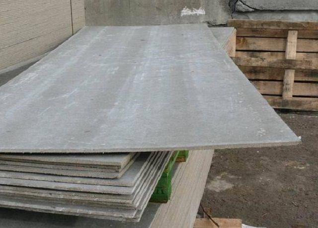 Для выравнивания хорошо подойдут качественные цементно-стружечные листы