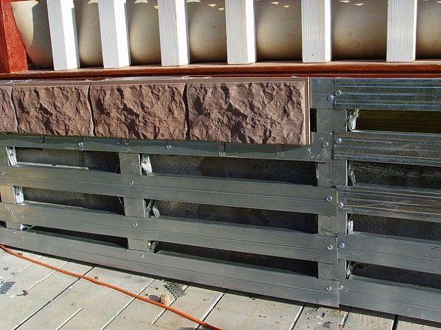 Монтаж цокольной плитки на каркас из оцинкованного металлического профиля
