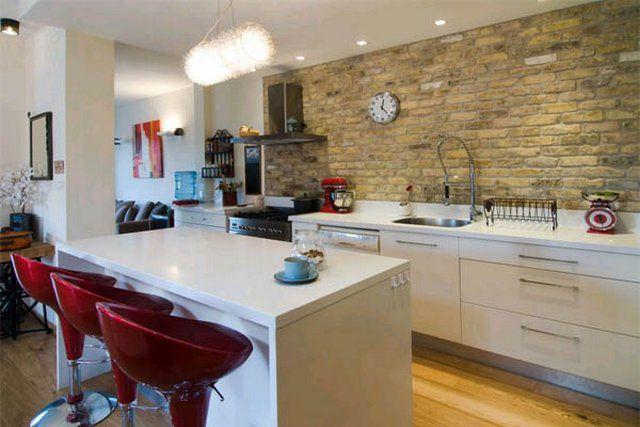 Кухонный «фартук», облицованный «кирпичной кладкой» из клинкерной плитки