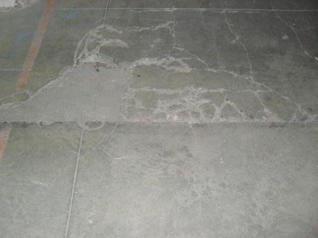 Весь мусор, от крупныхкусков до мельчайшей бетонной пыли, тщательно убирается