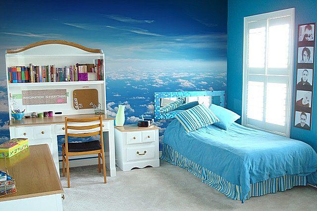 Голубой цвет хорош и приятен, но только если в комнате достаточно света. Для северной стороны – не самое лучшее решение.