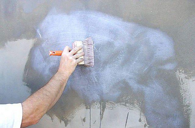 Грунтование стен перед монтажом каркасной конструкции
