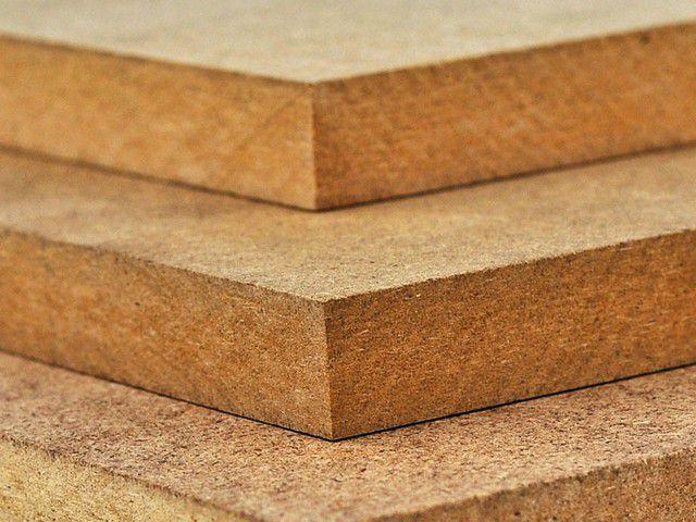 Панели МДФ имеют повышенную прочность, а их ламинированные или покрытые натуральным шпоном варианты широко применяются для отделки помещений