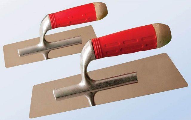 Под понятием «кельма» скрывается целая группа инструментов, объединённых одним признаком гладкая металлическая пластина с изогнутой рукояткой