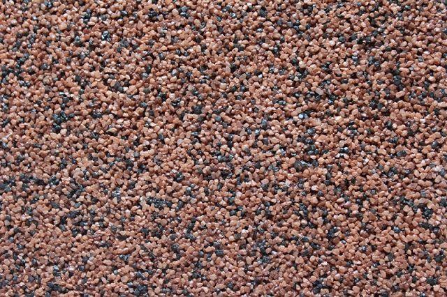 Кварцевый песок крупных фракций и разных расцветок – основа мозаичной декоративной штукатурки