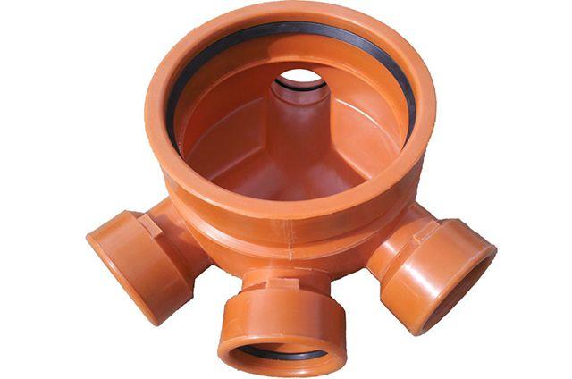 Лоток для дренажного колодца с выводами под различными углами