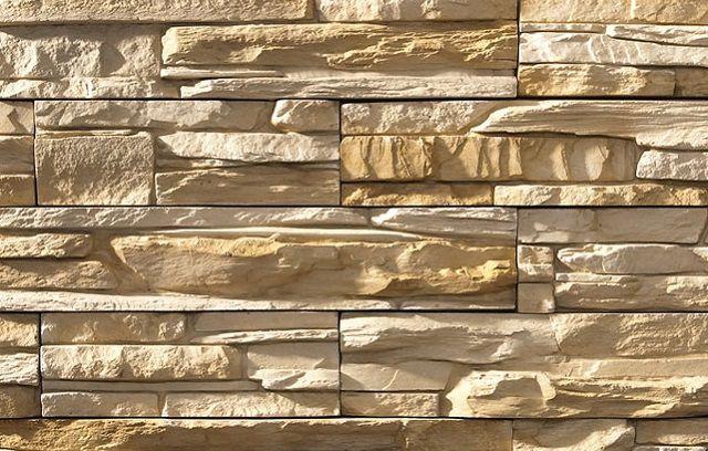Такая отделка – имитация каменной кладки из скалистых пород, очень популярна среди собственников жилья