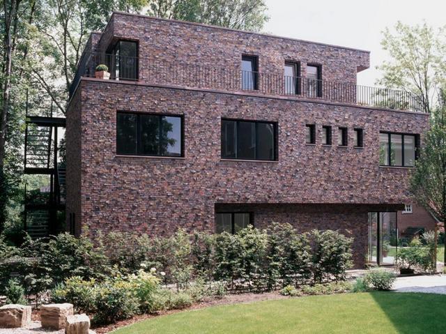 Здание, облицованное клинкерным кирпичом одной из коллекций компании «Wittmunder Klinker»